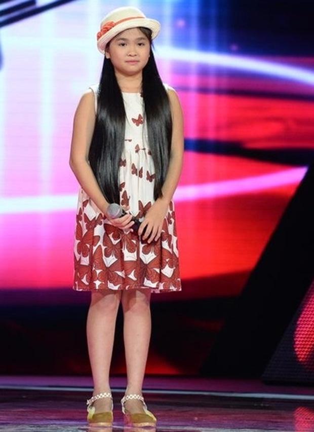 Bé Đu Đủ Thiện Nhân rụt rè ngày nào đã trổ mã thành thiếu nữ xinh đẹp, thích cả nhạc Hàn Quốc - Ảnh 1.