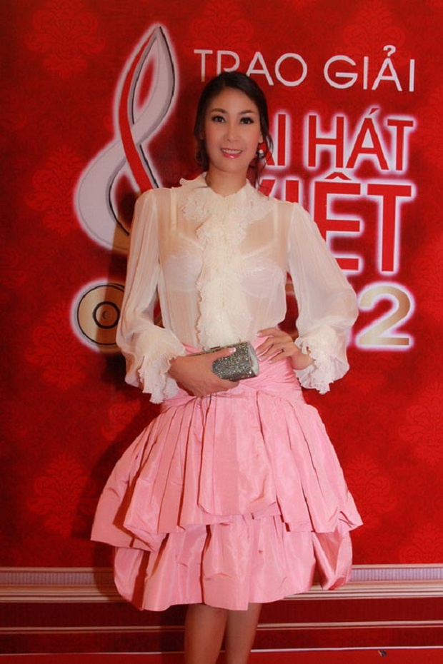 Cách ăn mặc giống như thân thế của Hoa hậu Hà Kiều Anh vậy, chưa ngã ngũ! - Ảnh 12.