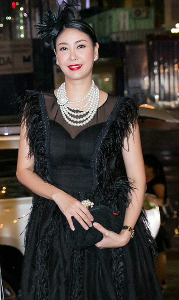 Cách ăn mặc giống như thân thế của Hoa hậu Hà Kiều Anh vậy, chưa ngã ngũ! - Ảnh 13.