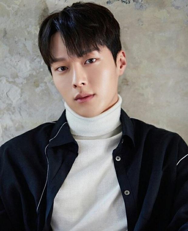 Song Kang bị Knet chê thậm tệ vì diễn xuất ở Nevertheless, mỹ nam mũi nhọn Jang Ki Yong tự dưng bị chê ké - Ảnh 2.