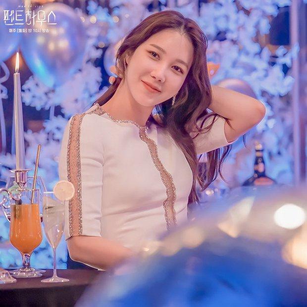 Lee Ji Ah ngày ấy - bây giờ đều xinh đẹp nhưng có 1 điểm khác ghê, liệu có phải nhờ công nghệ thẩm mỹ? - Ảnh 1.
