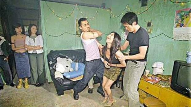 Vụ giết người chặt xác cực chấn động lên phim: Nạn nhân bị tra tấn 30 ngày đến chết, thẩm phán gốc Việt bắt thủ phạm trả giá - Ảnh 3.
