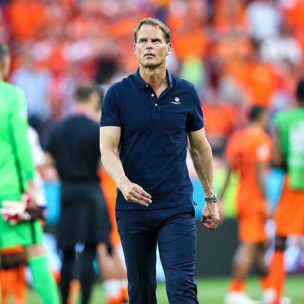 HLV đầu tiên mất việc tại Euro 2020 - Ảnh 2.