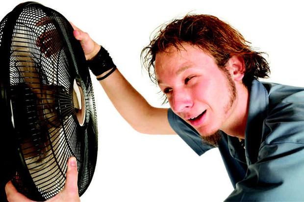 Các nhà khoa học kêu gọi người trẻ hạn chế dùng điều hòa, chuyển về dùng quạt điện - Ảnh 3.