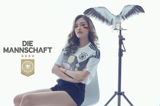 Nữ streamer Chi Chi bất ngờ khoe ảnh sexy cổ vũ đội tuyển Đức - Ảnh 4.