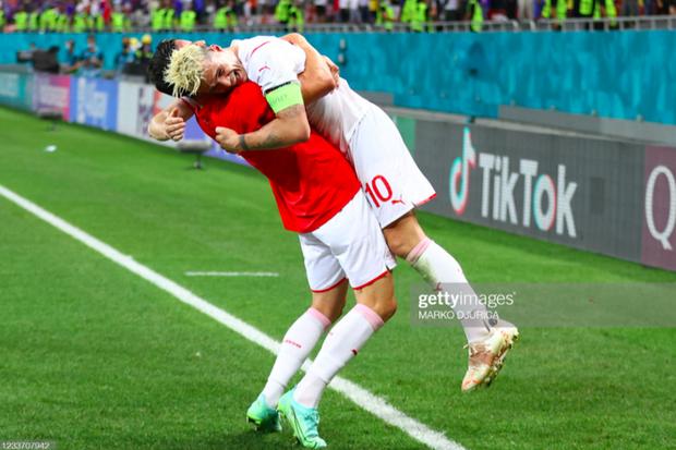 Ảnh: Cầu thủ Thuỵ Sĩ sung sướng vỡ oà sau khi loại đương kim vô địch thế giới Pháp khỏi Euro 2020 - Ảnh 7.