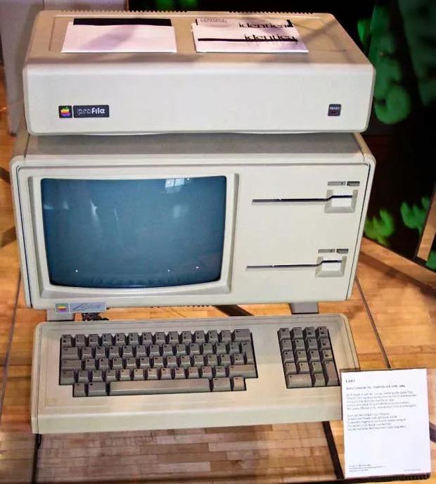 Bảy lần Apple khiến thế giới trầm trồ vì những thiết kế đi trước thời đại - Ảnh 8.