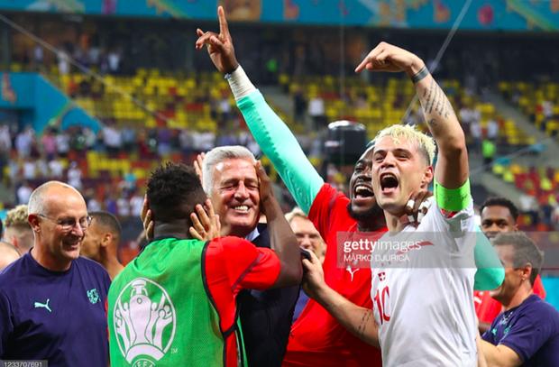 Ảnh: Cầu thủ Thuỵ Sĩ sung sướng vỡ oà sau khi loại đương kim vô địch thế giới Pháp khỏi Euro 2020 - Ảnh 9.