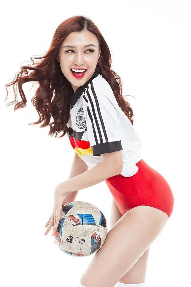 Nữ streamer Chi Chi bất ngờ khoe ảnh sexy cổ vũ đội tuyển Đức - Ảnh 10.