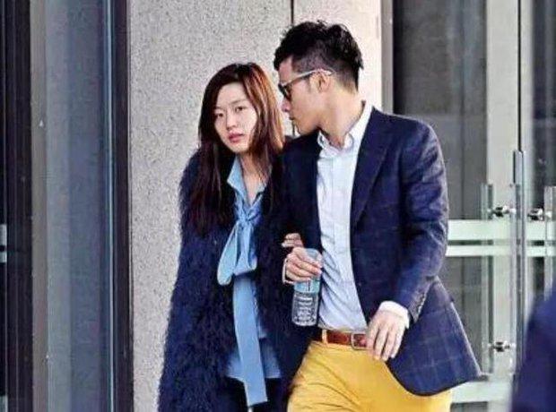 Cuối cùng chồng CEO của Jeon Ji Hyun đã lên tiếng giữa drama ly hôn, chỉ 1 câu thôi mà hé lộ luôn tình trạng hôn nhân - Ảnh 2.