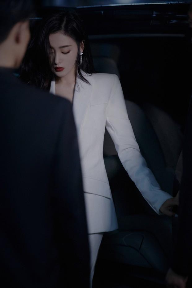 Điếng người trước 1 sự kiện của Cbiz: Toàn ngự tỷ diện menswear đẹp lịm tim, nhìn mà học hỏi cách diện suit nhé các nàng! - Ảnh 13.