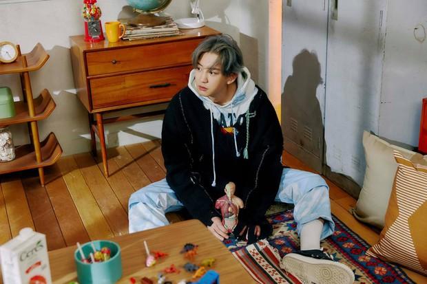 EXO tung ảnh comeback tự chụp cho nhau: Visual lão hóa ngược, tưởng ngầu mà hóa ra cute xỉu - Ảnh 7.