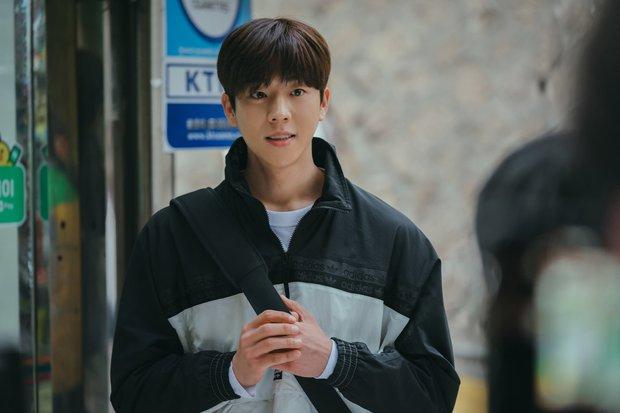 Mợ Ngố Song Ji Hyo quyến rũ hết nấc trong phim mới, sang chảnh khác hẳn lúc quay Running Man - Ảnh 4.