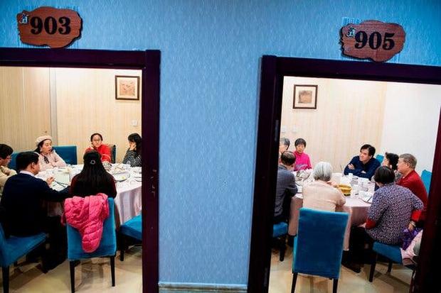 Đàn ông Trung Quốc đua nhau... triệt sản dù chưa vợ con bất chấp đi ngược lại đạo lý ngàn năm: Tại sao lại như vậy? - Ảnh 2.
