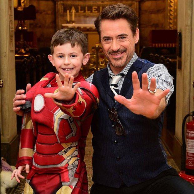 Bụt chùa nhà không thiêng: Con trai đòi Iron Man mua đồ chơi Spider-Man, Thor bất lực vì con gái mê... siêu nhân nhà đối thủ - Ảnh 12.