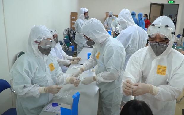 Gần 300.000 người tại TP.HCM liên quan đến 265 ca nhiễm từ hội truyền giáo chỉ sau 8 ngày bùng phát dịch - Ảnh 1.