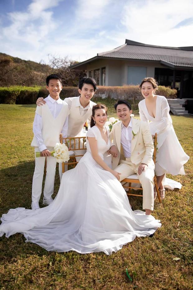 Trọn vẹn bộ ảnh cưới đẹp như phim của Thu Hoài và ông xã kém 10 tuổi, xúc động khung cảnh các con bên bố dượng! - Ảnh 3.