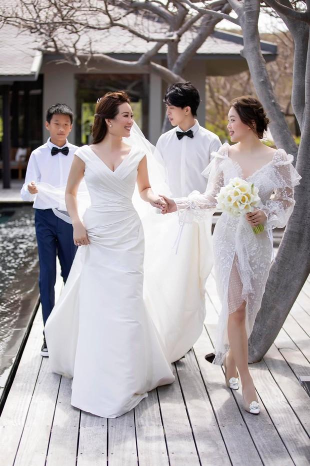 Trọn vẹn bộ ảnh cưới đẹp như phim của Thu Hoài và ông xã kém 10 tuổi, xúc động khung cảnh các con bên bố dượng! - Ảnh 9.