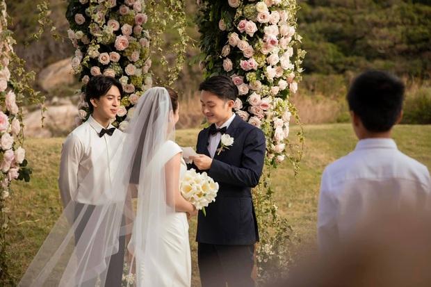 Trọn vẹn bộ ảnh cưới đẹp như phim của Thu Hoài và ông xã kém 10 tuổi, xúc động khung cảnh các con bên bố dượng! - Ảnh 11.