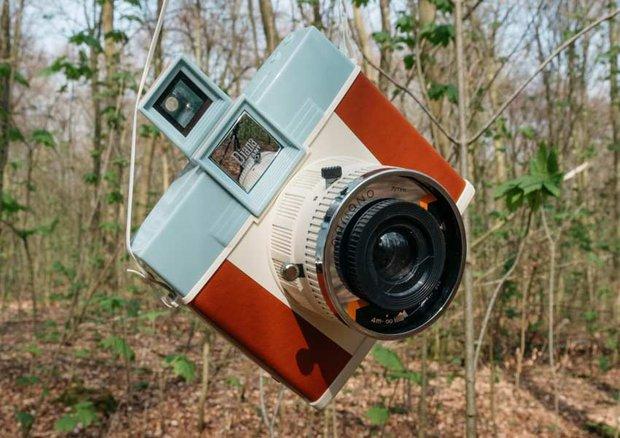 Lisa hễ dùng máy ảnh nào là loại đó tăng giá 4-5 lần, đến mức có người mong cô... đừng dùng nhiều - Ảnh 3.