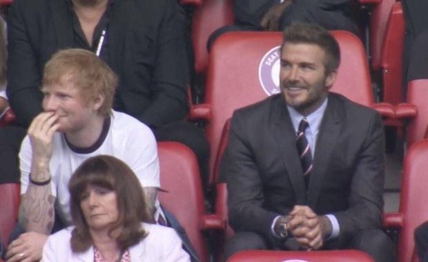Buồn của Ed Sheeran: Đã bị dìm nhan sắc khi ngồi cạnh David Beckham còn bị cà khịa flop quá nên mới rảnh đi xem đá bóng - Ảnh 2.
