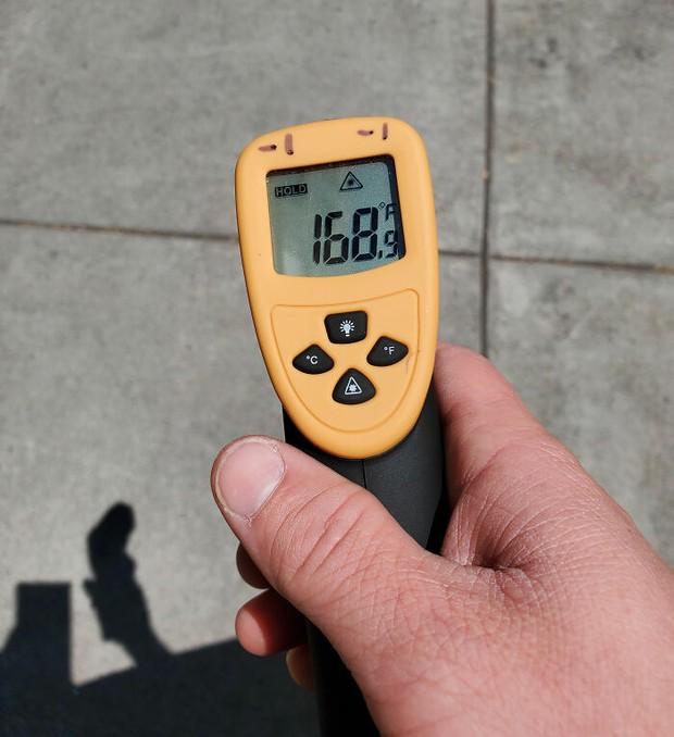 Hình ảnh nắng nóng khủng khiếp tại Mỹ và Canada lúc này: Mặt đường nứt toác, nhà cửa nhăn nheo - Ảnh 13.