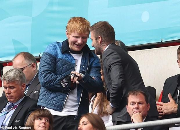 Buồn của Ed Sheeran: Đã bị dìm nhan sắc khi ngồi cạnh David Beckham còn bị cà khịa flop quá nên mới rảnh đi xem đá bóng - Ảnh 3.