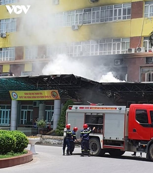 Kịp thời dập tắt đám cháy tại Bệnh viện Nhi Thanh Hóa - Ảnh 2.