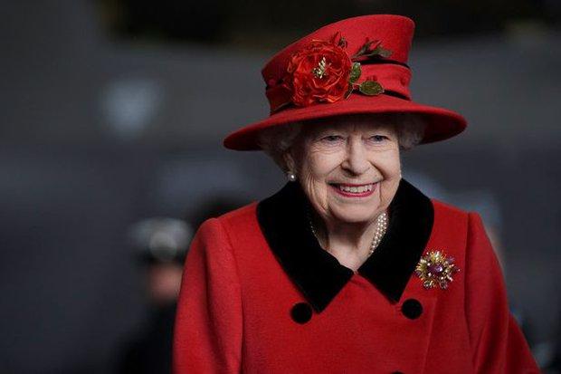 Vợ chồng Harry – Meghan đòi về Anh Quốc dự Đại lễ Bạch Kim của Nữ hoàng, phía Cung điện phản ứng đúng như dự đoán của công chúng - Ảnh 2.