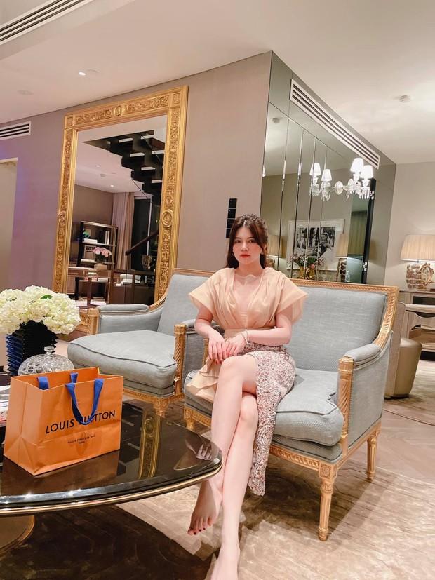 Nữ đại gia ở Sky Villa 200m2, làm nội thất hết 1 triệu đô nói gì về Thái Công? - Ảnh 4.