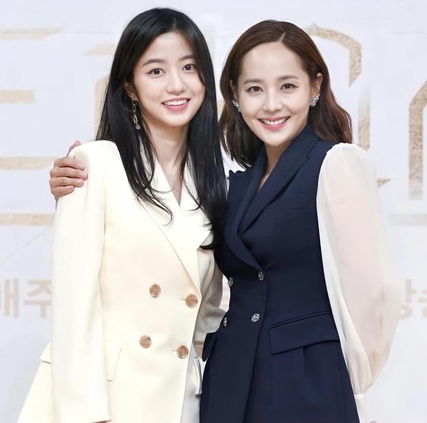 Màn đọ sắc hot nhất họp báo Penthouse 3: Ác nữ Kim So Yeon body mlem, Eugene - Lee Ji Ah tuột dốc, nhưng sao nhí mới là tâm điểm - Ảnh 18.