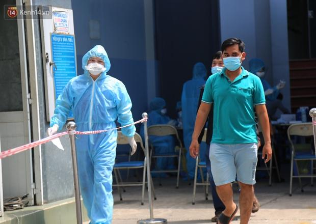 NÓNG: Thêm 15 ca dương tính với SARS-CoV-2, chuỗi lây nhiễm tại công ty kiểm toán quận 3 có thêm ca bệnh mới - Ảnh 1.