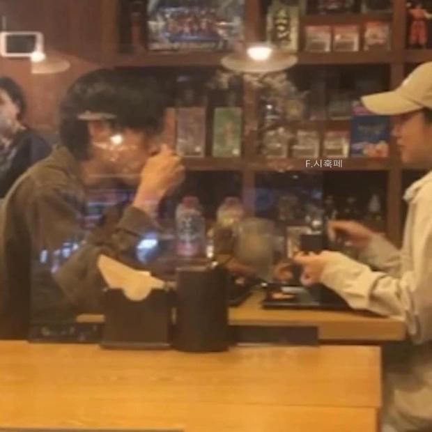 Couple Reply 1988 Hyeri - Ryu Jun Yeol lộ ảnh hẹn hò, đập tan tin đồn toang vì tình màn ảnh của Song Hye Kyo - Ảnh 2.