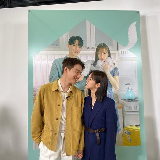 Couple Reply 1988 Hyeri - Ryu Jun Yeol lộ ảnh hẹn hò, đập tan tin đồn toang vì tình màn ảnh của Song Hye Kyo - Ảnh 4.