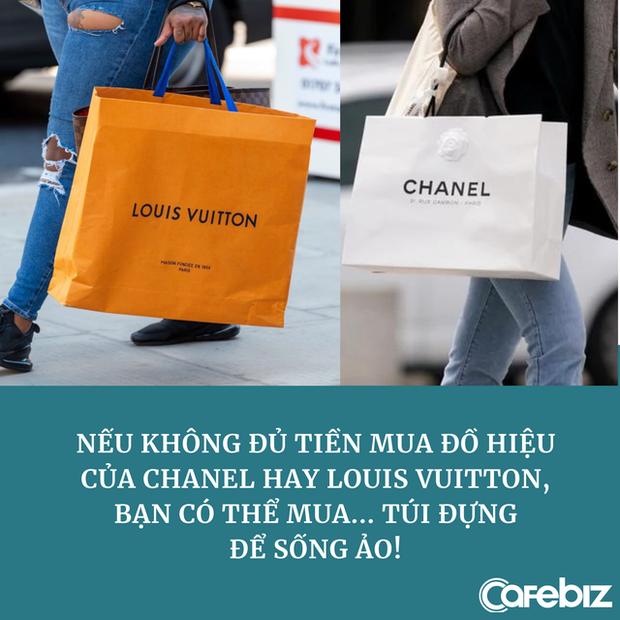 Góc dành cho người nghèo nhưng muốn khoe giàu: Có cả một thị trường sôi động bán túi, hộp đựng hàng hiệu, vỏ chai nước hoa... phục vụ sống ảo - Ảnh 2.