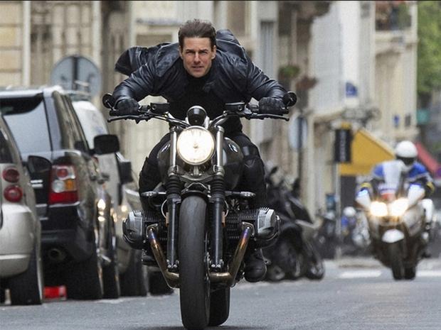 Bom tấn Mission: Impossible 7 đột ngột hoãn quay vì Covid-19, Tom Cruise năm lần bảy lượt quá là xui! - Ảnh 2.