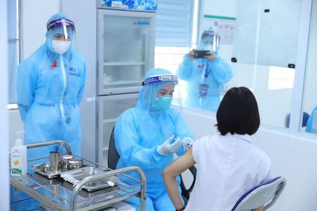 Quỹ vắc xin phòng COVID-19 đã tiếp nhận gần 104 tỉ đồng - Ảnh 1.