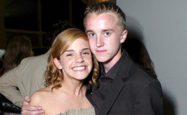 Malfoy Tom Felton bất ngờ nhắc đến Emma Watson, tiết lộ luôn tình cảm mập mờ: Cặp đôi Harry Potter có gì đó sau 10 năm? - Ảnh 3.