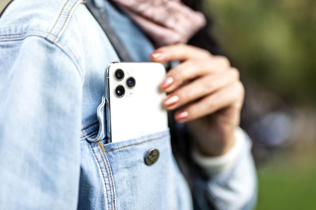 Đây là chiếc iPhone dù sang xịn nhưng bạn cũng không nên sử dụng nếu bị yếu tim, không cẩn thận có thể gây tử vong - Ảnh 5.