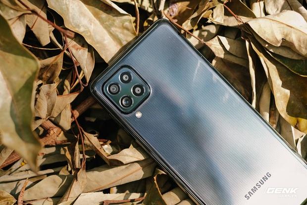 Trên tay Samsung Galaxy M62: Màn hình 6.7 inch, camera chính 64MP và pin 7000mAh - Ảnh 3.