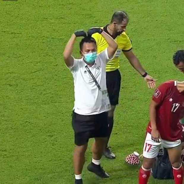 Fan Việt Nam chế loạt ảnh cà khịa Thái Lan sau trận đấu với Indonesia - Ảnh 4.