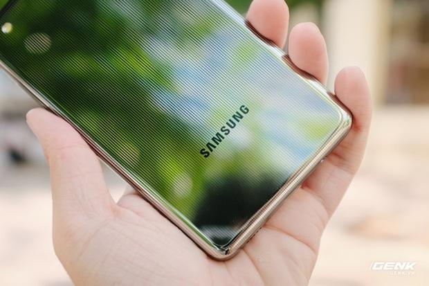 Trên tay Samsung Galaxy M62: Màn hình 6.7 inch, camera chính 64MP và pin 7000mAh - Ảnh 4.
