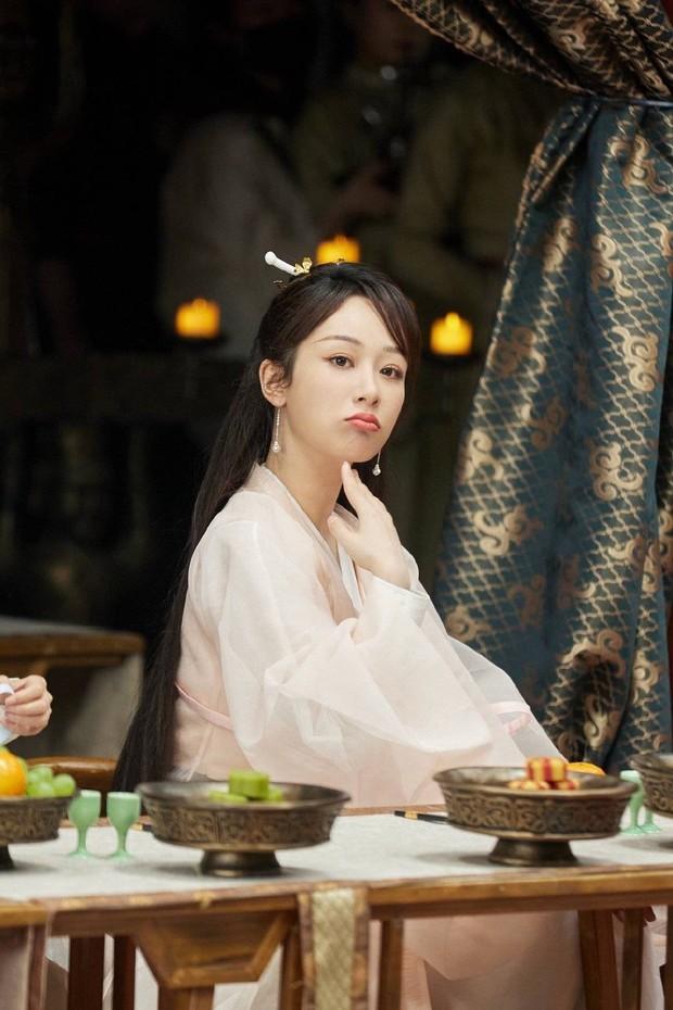 Dương Tử xinh yêu chả kém bà xã Vương Nhất Bác, khoe sắc trong hình hài nữ phụ siêu phẩm Khánh Dư Niên - Ảnh 3.