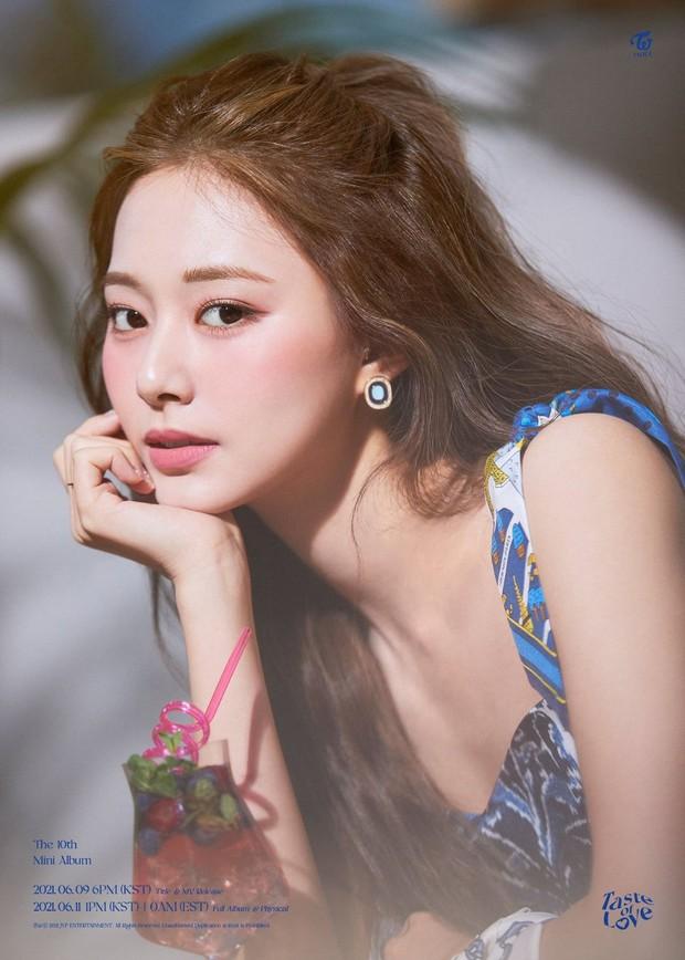 Netizen sốc visual trước ảnh thời trẻ của mẹ Tzuyu (TWICE): Mẹ thế này bảo sao nữ idol thành gương mặt đẹp nhất thế giới! - Ảnh 9.