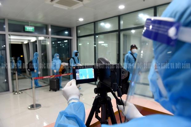Nghệ An: Tìm người đi cùng 2 bệnh nhân COVID-19 trên chuyến bay VN 1262 ngày 30/5/2021 - Ảnh 1.