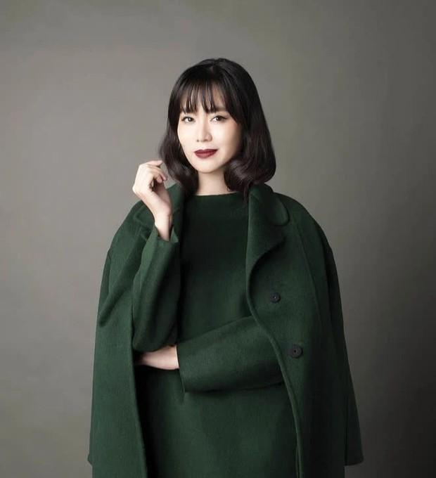 Hoa hậu Nguyễn Thu Thuỷ: Từng đi du học Mỹ, làm đạo diễn phim, sở hữu vòng eo nhỏ nhất lịch sử HHVN - Ảnh 1.
