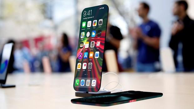 Xuất hiện concept iPhone 13 đẹp mãn nhãn, màn hình cong tràn viền, camera selife ẩn - Ảnh 1.