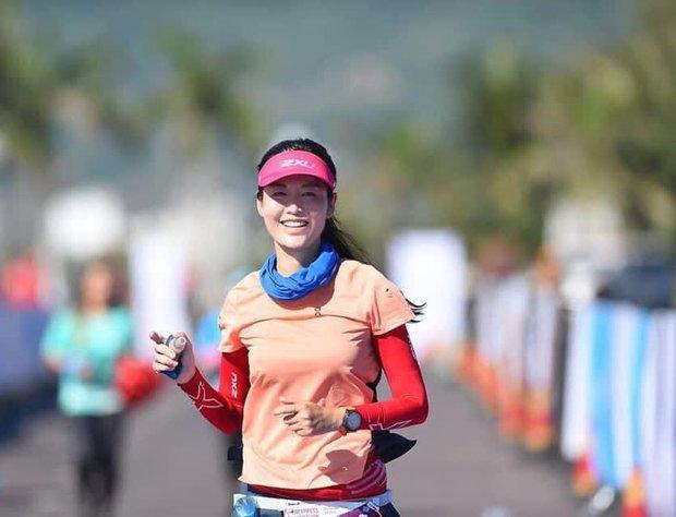 Cuộc sống đời thường của Hoa hậu Nguyễn Thu Thuỷ: Dậy sớm, chạy bộ thường xuyên, thích viết lách và cực đảm đang - Ảnh 1.