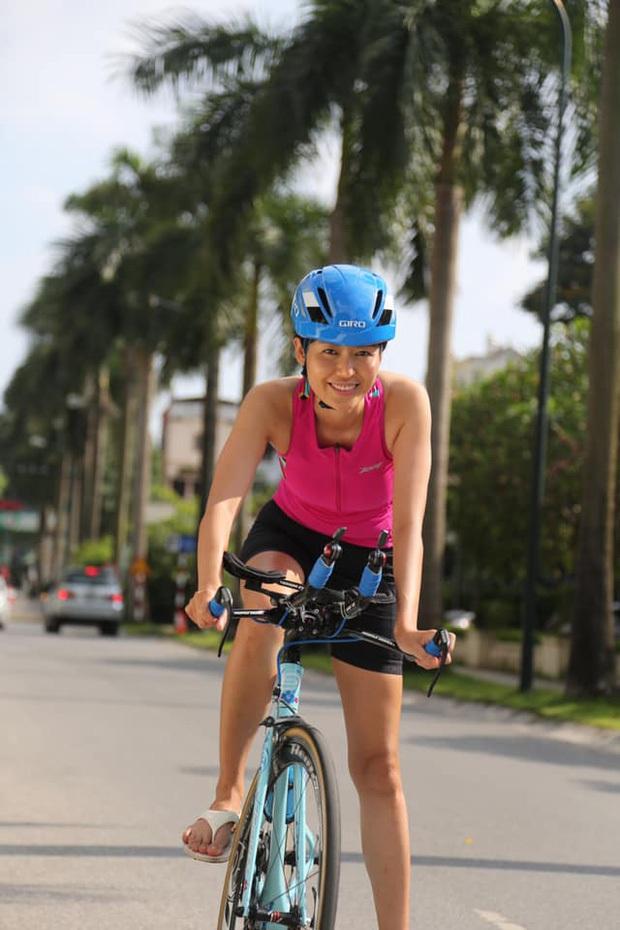 Cuộc sống đời thường của Hoa hậu Nguyễn Thu Thuỷ: Dậy sớm, chạy bộ thường xuyên, thích viết lách và cực đảm đang - Ảnh 4.