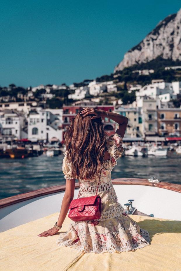 Choáng ngợp Capri - hòn đảo không Covid-19 ở châu Âu, điểm nghỉ dưỡng siêu cao cấp của người giàu trời Tây - Ảnh 3.